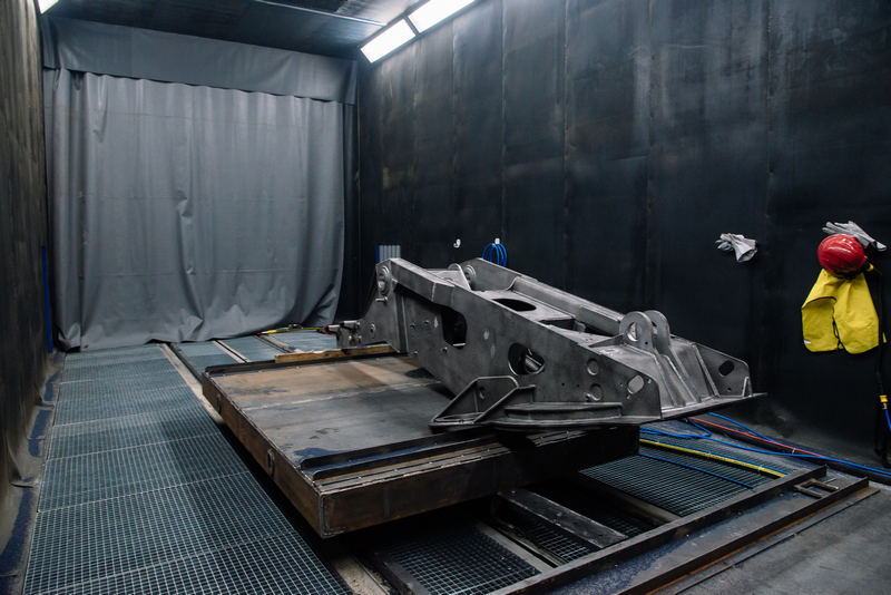 Комплекс подготовки на Челябинском механическом заводе: камеры дробеструйной обработки SPK-6.4.4 и SPK-14.5.5.
